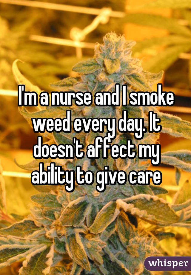 051e51b1bf2e8d60fc784759bc4dfc6594ec77 wm 18 Medical Professionals Who Admit To Smoking Weed
